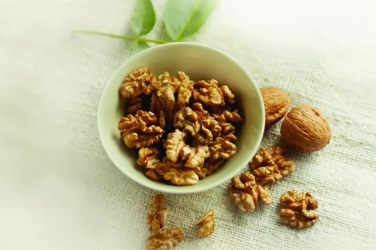 くるみを食べると腸内フローラが改善 くるみが善玉菌を増やす